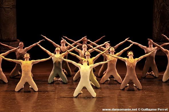 Le sacre du printemps Ballet_tokyo_sacre_printemps_03