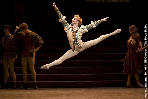 Steven McRae as Romeo. Photo: Bill Cooper © Source: Dansomanie